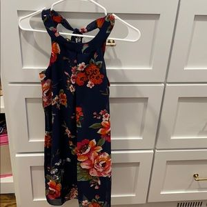 Really cute never worn floral dress.